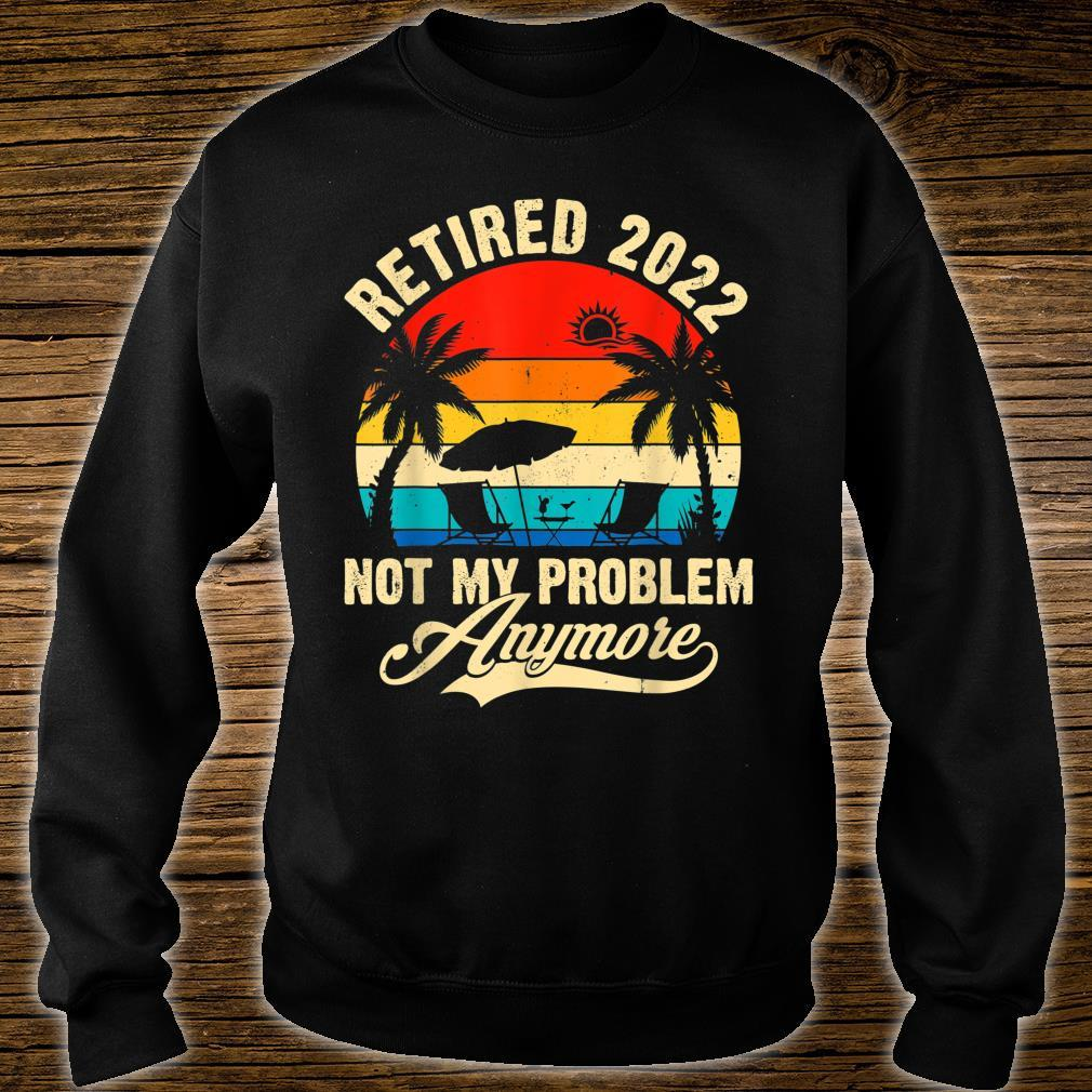 Retro Retired 2022 Vintage Fathers Day For Mom Dad Shirt sweater
