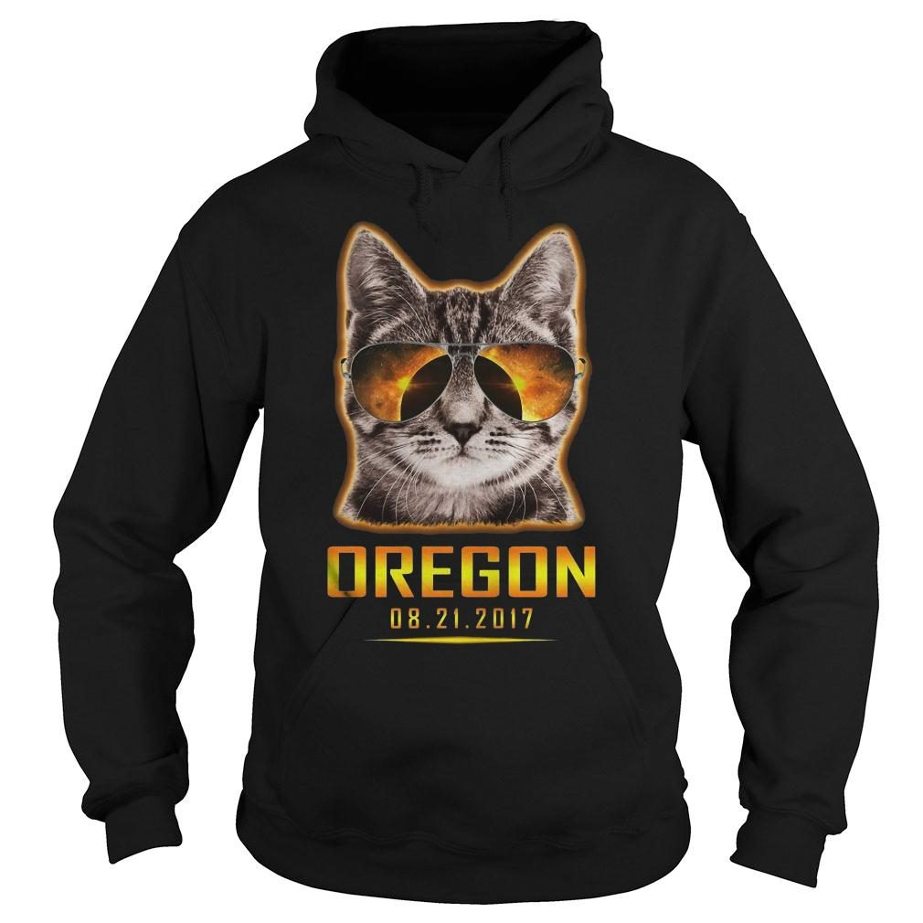 Cat is watching Oregon total solar eclipse 2017 shirt hoodie