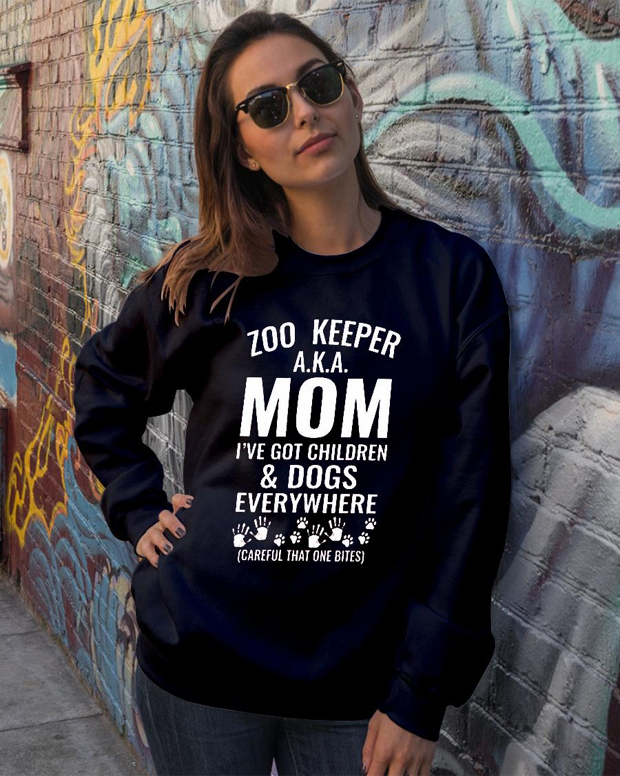 Zoo Keeper Aka Mom I've Got Children And Animals Everywhere Shirt sweater official